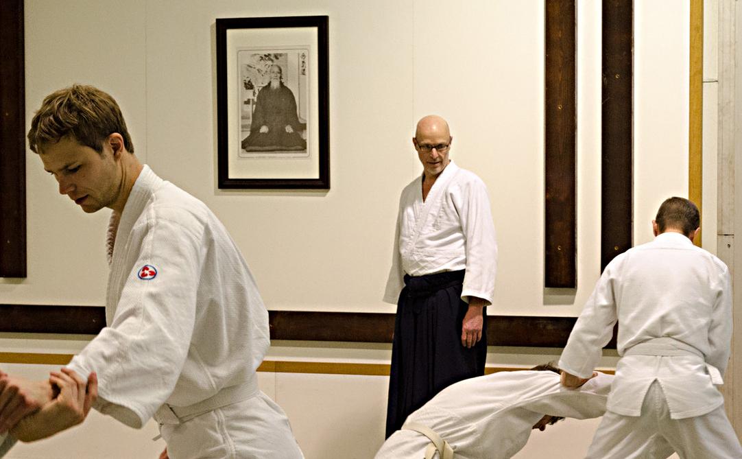 Jan slaagt voor praktijkexamen aikidoleraar niveau 2